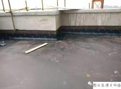 房顶漏水怎么办?用防水涂料修补好吗?